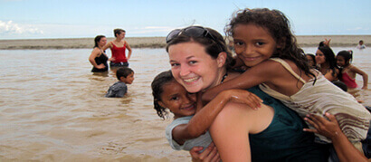 Volunteer abroad for free in Central and South America